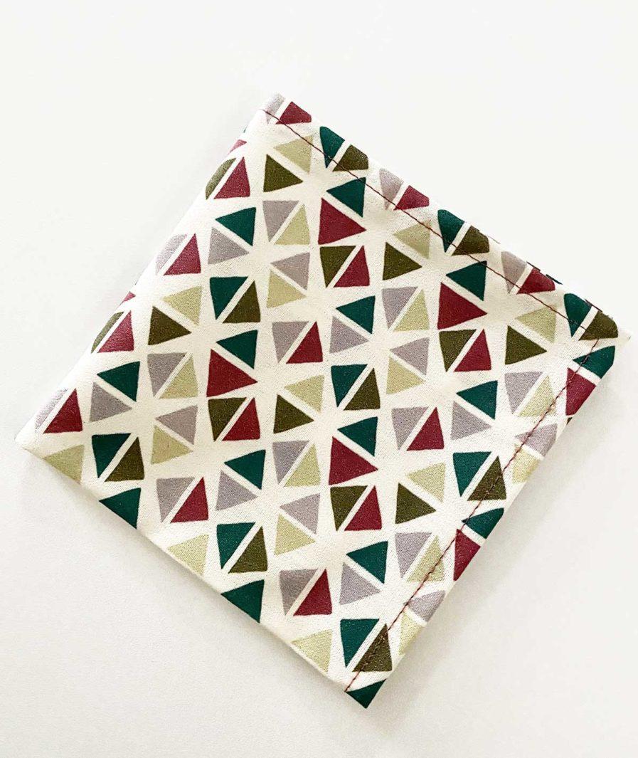 mouchoir en tissu motif triangles
