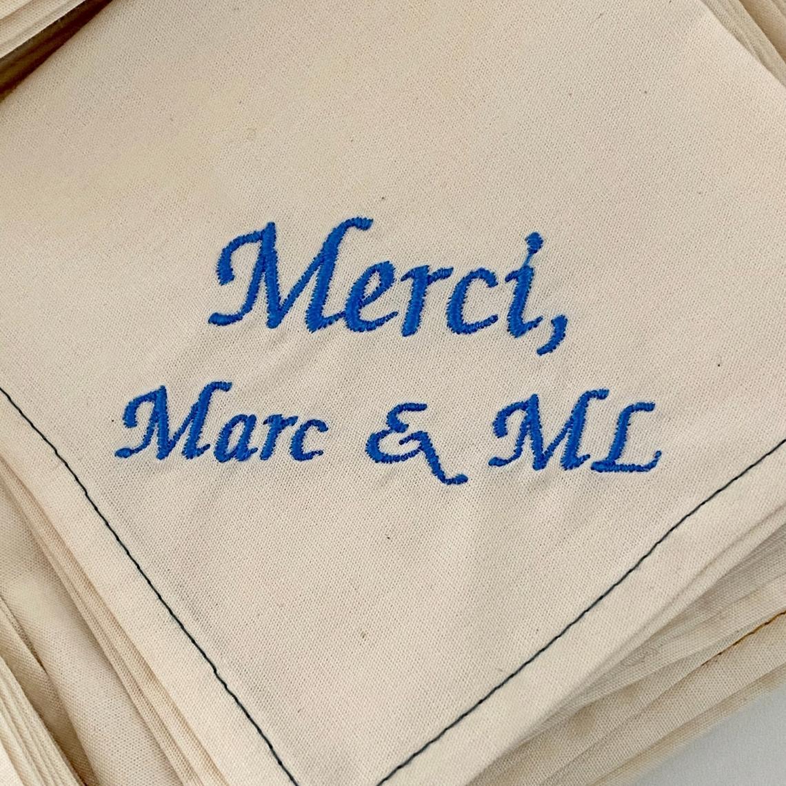 mouchoirs en tissu brodes et personnalise mariage