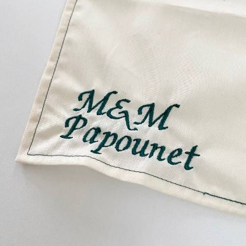 Mouchoirs en tissu bio personnalisés brodés pour mariage ou evjf
