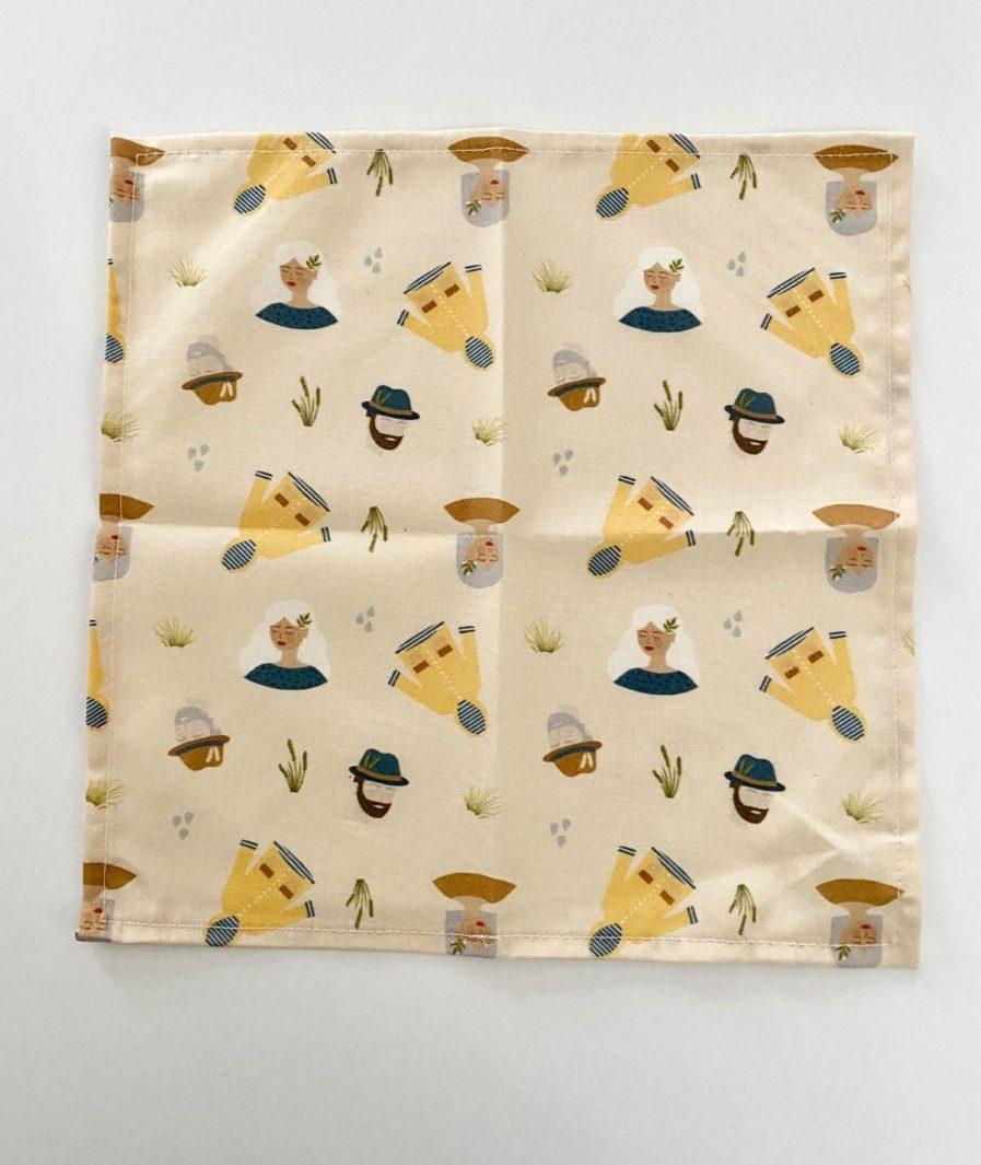 Mouchoir tissu motif imprimé cirés jaunes