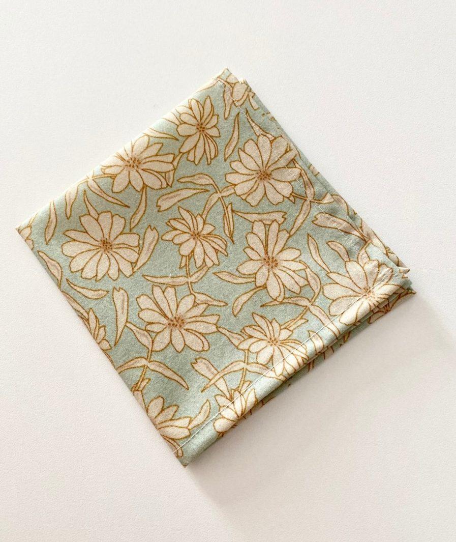 Mouchoirs en tissu fleurs vintage